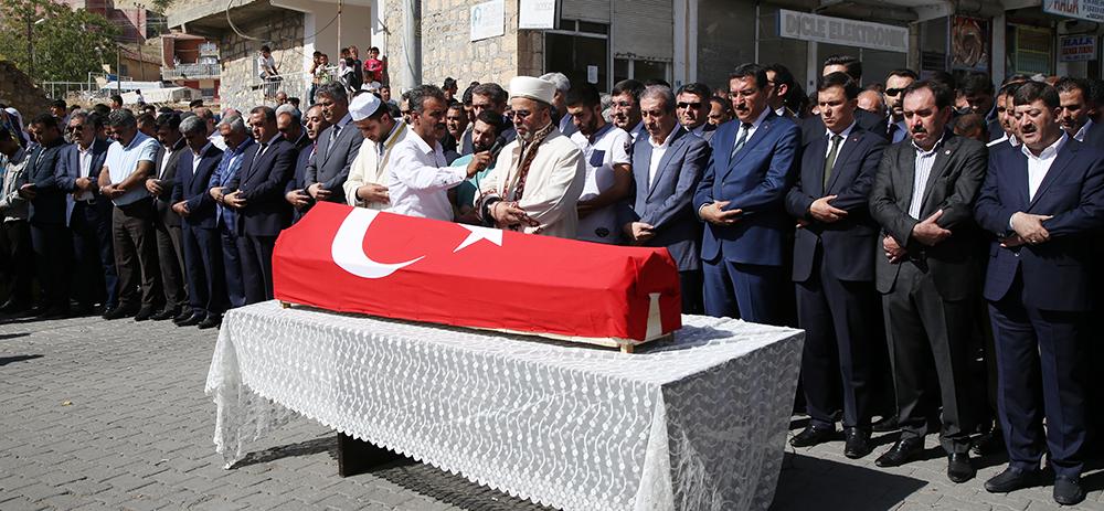 Diyarbakır'ın Dicle ilçesinde PKK'lı teröristlerin silahlı