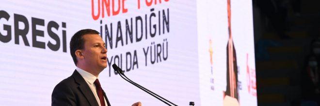 """""""Yeni anayasa gençlerin anayasası olacaktır"""""""